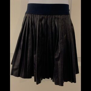 Mayoral Navy Pleather Pleated Skirt sz 4-5
